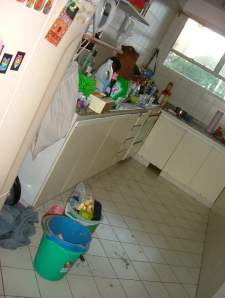 Kitchen: Not clean or tidy